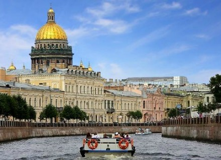 St. Petersburg Boat Trip with an Audio-guide